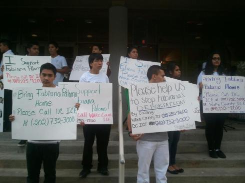 Jovenes del grupo de Fabiana piden publicamente a inmigracion que sea liberada